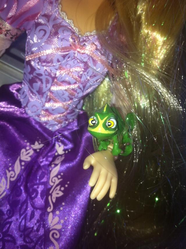 Ma collection des poupées des films de DISNEY - Page 6 Img_7014