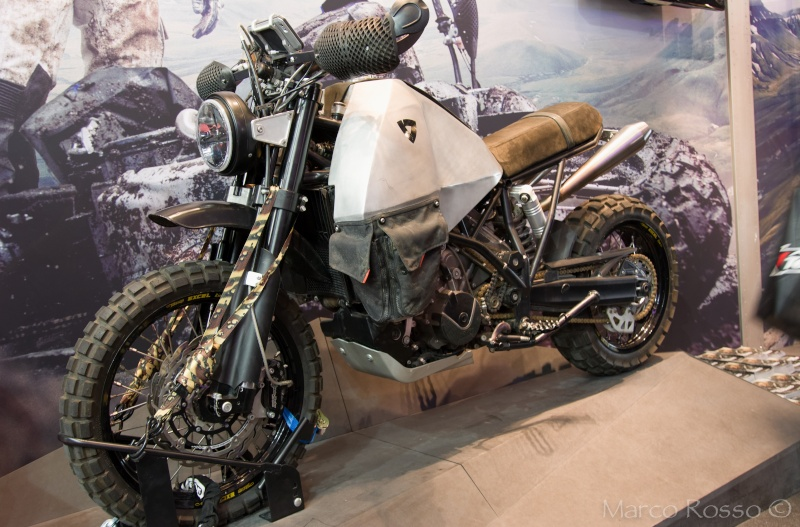 Salon de la Moto - Paris 2016... - Page 2 Rev_it10