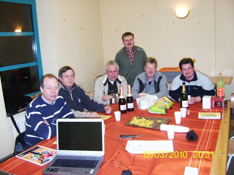 Première réunion dans notre nouveau local Pic_0912