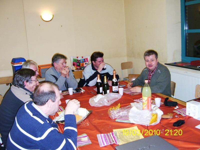 Première réunion dans notre nouveau local Pic_0913