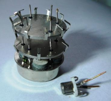 Кварцевые генераторы как готовые изделия Aea_aa11