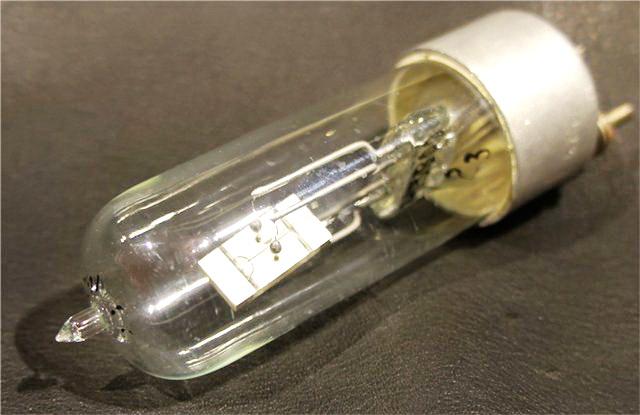 Вакуумированные резонаторы в стеклянных корпусах. Aedi_310