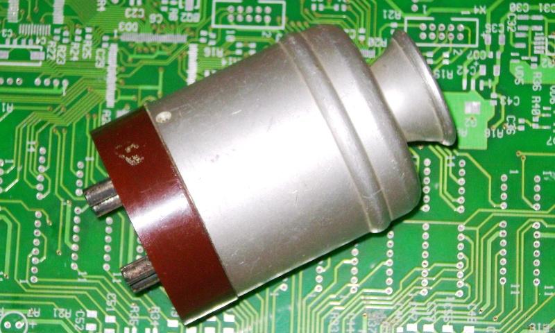 Кварцы в металлических корпусах Б1-Б3, М1-М3 Ei210