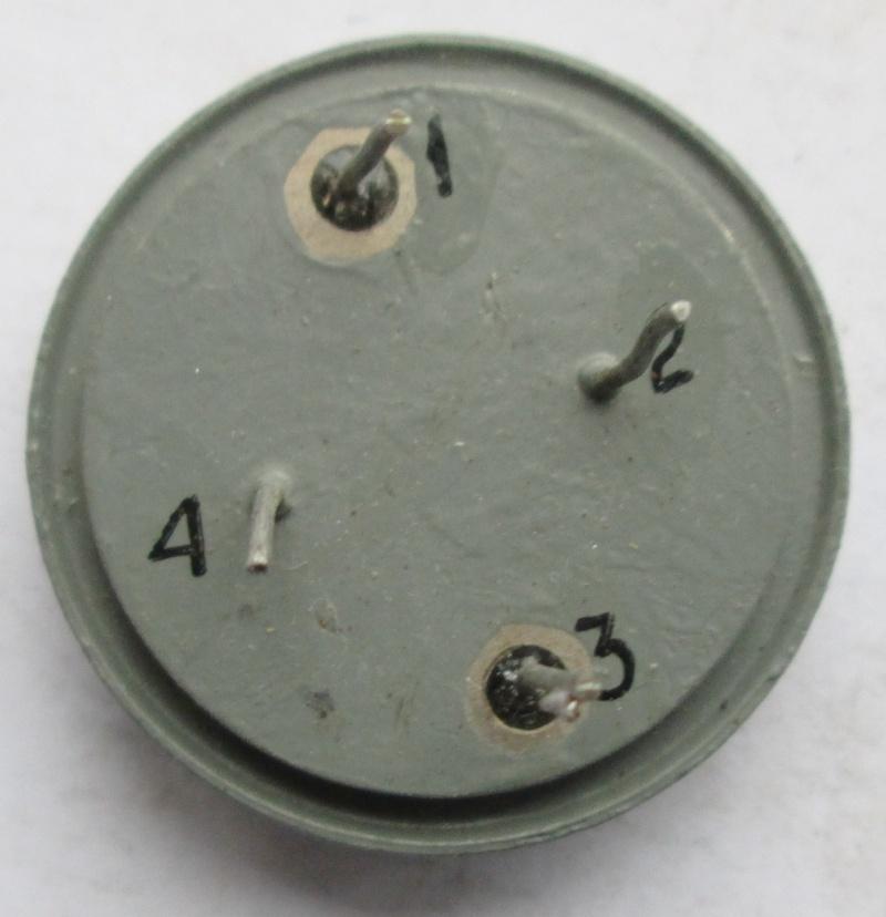 Кварцы в металлических корпусах Б1-Б3, М1-М3 Eo_210