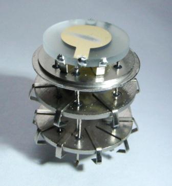 Кварцевые генераторы как готовые изделия Eo_aae10