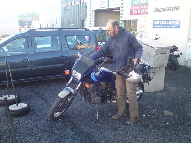 VT500E : Révision & installation bagagerie (moto de Fantomas) - Page 2 Dsc04111