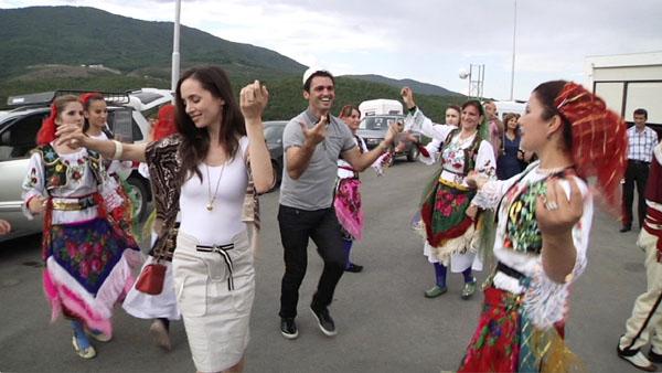 Dear Albania : le documentaire d'Eliza Dushku Dear-a11
