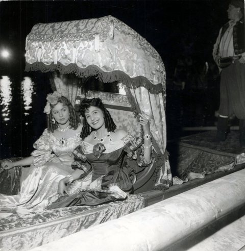 Si Versailles m'était conté par Sacha Guitry Jany_c10