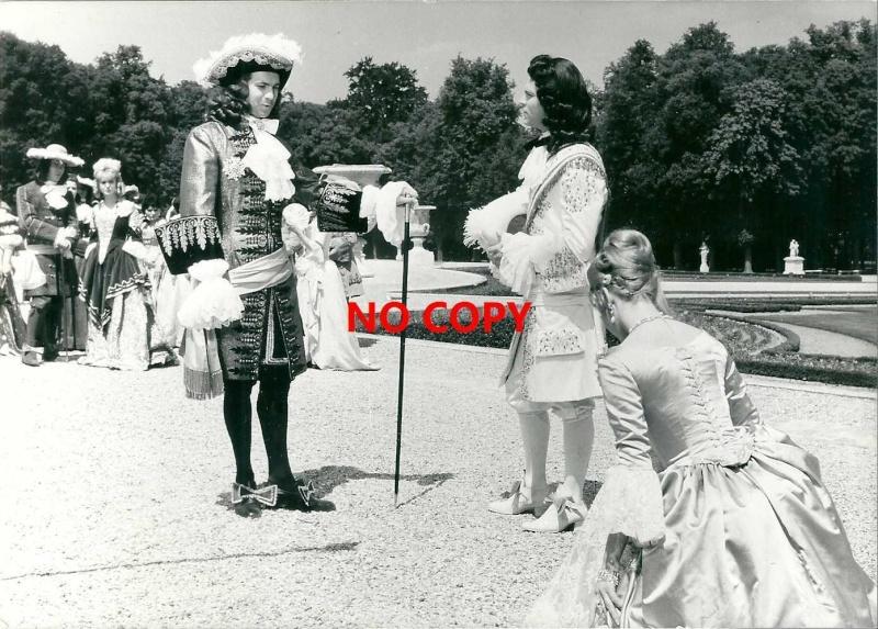 Si Versailles m'était conté par Sacha Guitry Kgrhqr12