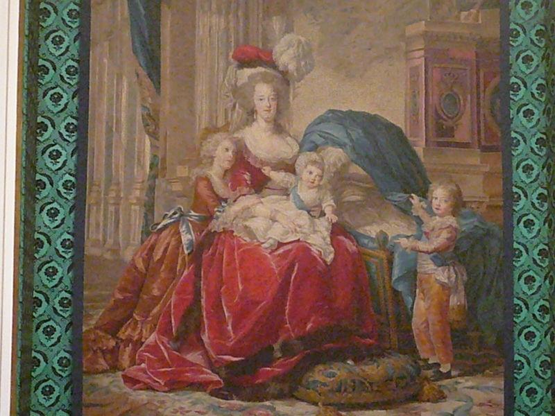 Marie-Antoinette et ses enfants, par Elisabeth Vigée Le Brun (1787) - Page 2 61279611