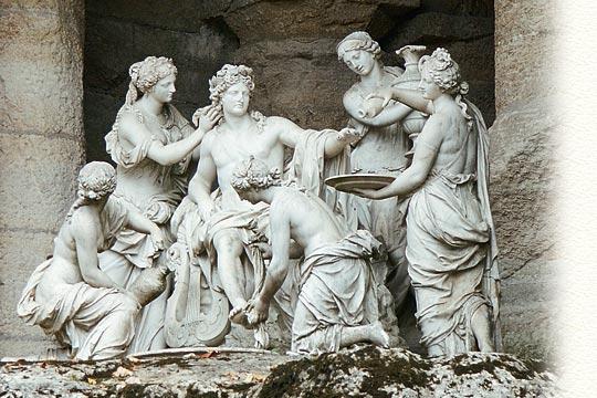 Versailles, Apollon servi par les Nymphes Bains-11