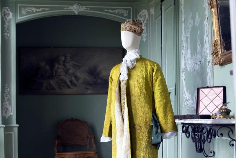 Manteau d'intérieur et robe de chambre pour les hommes au XVIIIe siècle Costan10