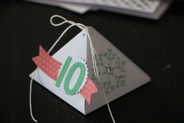 25 Novembre - emballage en forme de pyramide. Img_4716