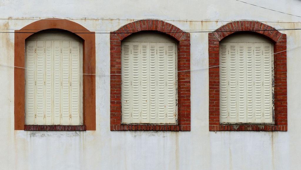 [Fil ouvert ] Fenêtres, volets, ouvertures... P1040230