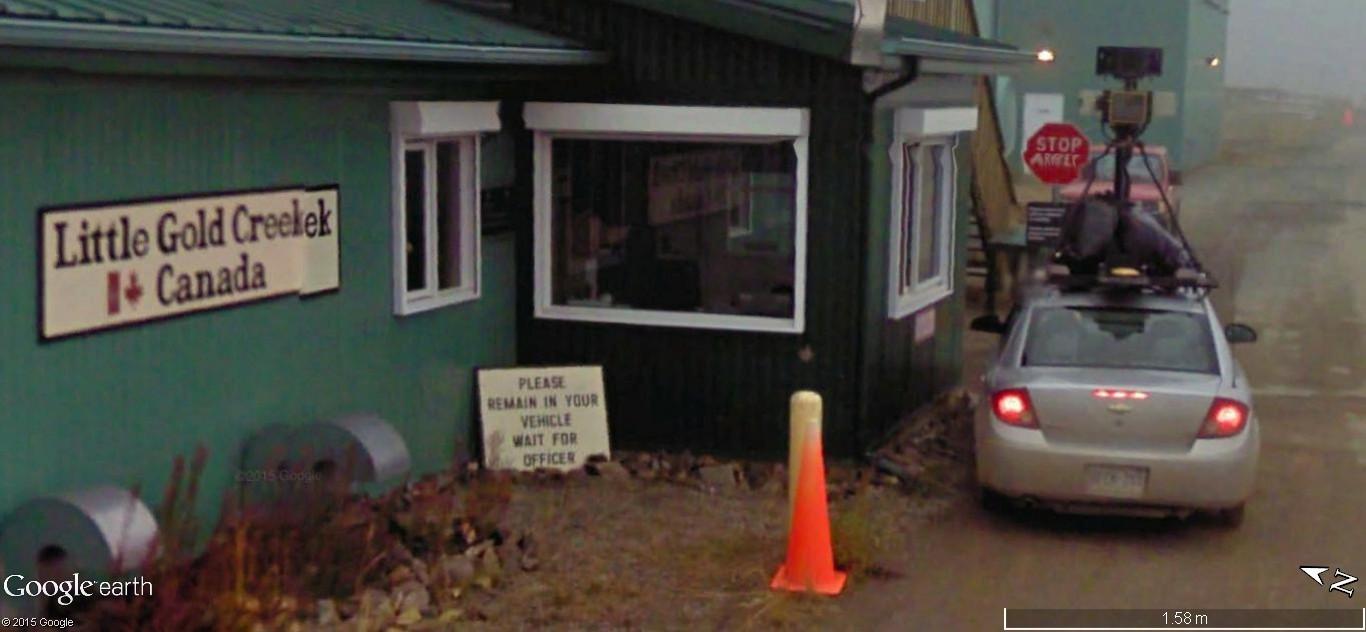 STREET view : Deux Google car qui se suivent, Territoires du Nord Ouest, CANADA 153