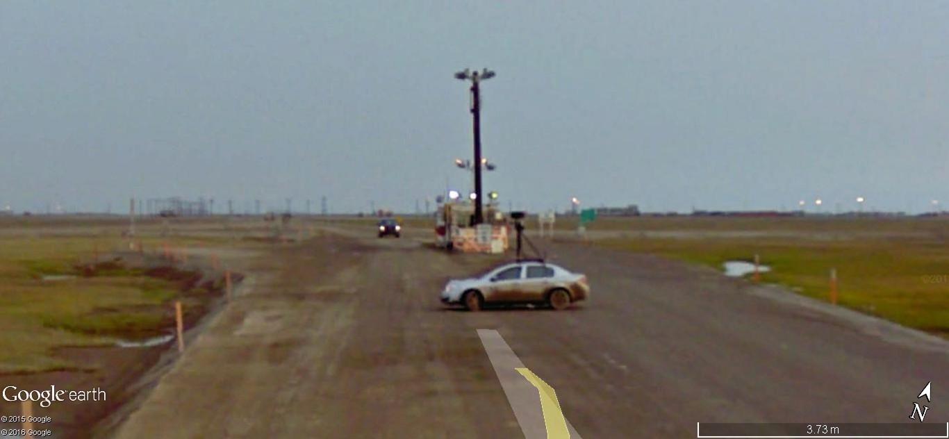 STREET view : Deux Google car qui se suivent, Territoires du Nord Ouest, CANADA 191