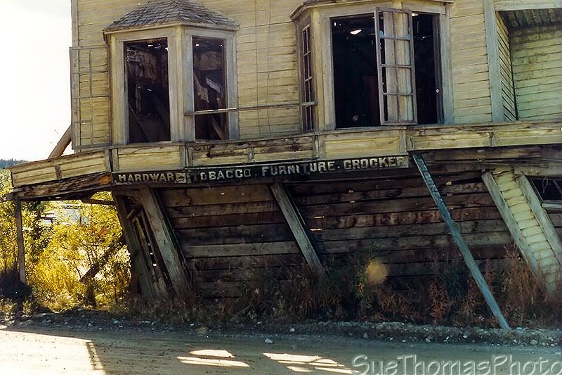 Dawson City, ville témoin de la ruée vers l'or du Klondike. - Page 4 243