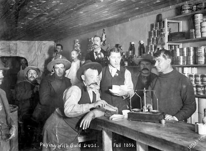 Dawson City, ville témoin de la ruée vers l'or du Klondike. - Page 2 24a35312