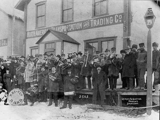 Dawson City, ville témoin de la ruée vers l'or du Klondike. - Page 4 313