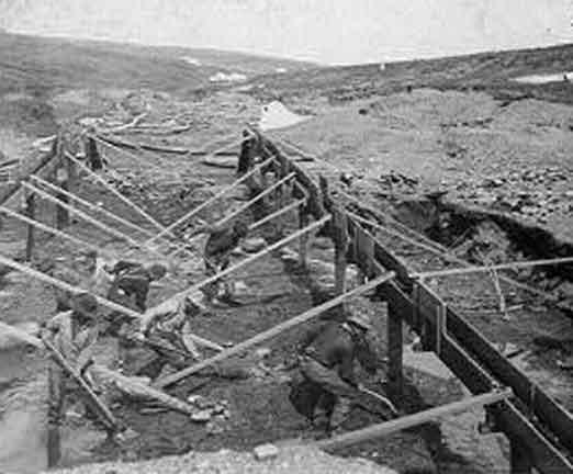 Dawson City, ville témoin de la ruée vers l'or du Klondike. 58