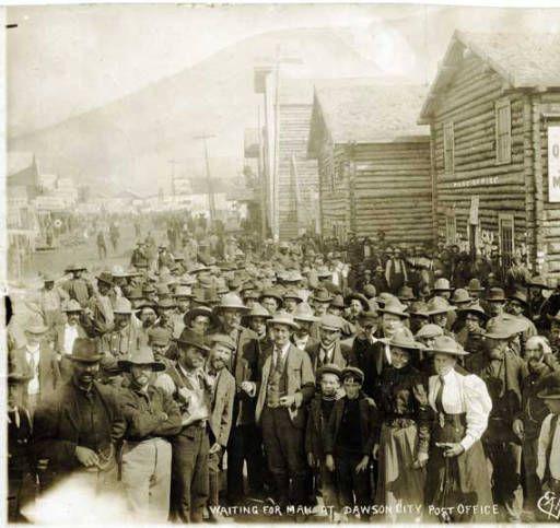 Dawson City, ville témoin de la ruée vers l'or du Klondike. D86aed11