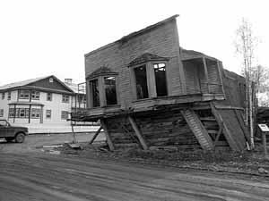 Dawson City, ville témoin de la ruée vers l'or du Klondike. - Page 4 Gunsam10