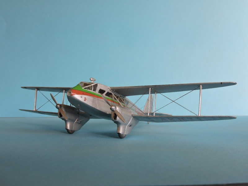 DH 89 Dragon rapide Heller 1/72 Dehavi13
