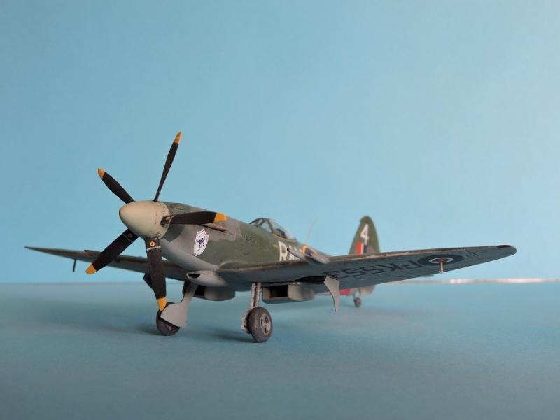 [ AIRFIX] Spitfire MK22 Spitif44
