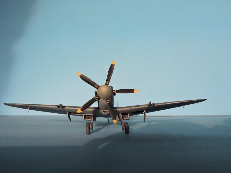 [ AIRFIX] Spitfire MK22 Spitif51