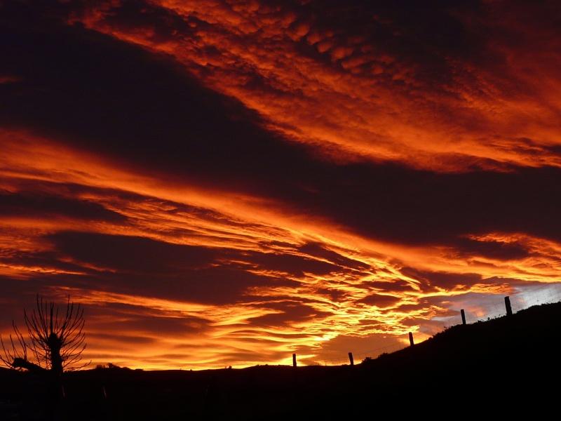 ciel de feu sur isturrist P1220810