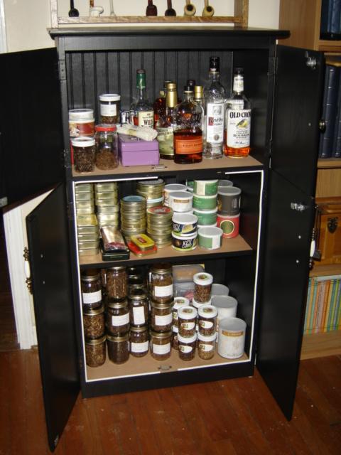 My Baccy/Liquor Cabinet Dsc00812
