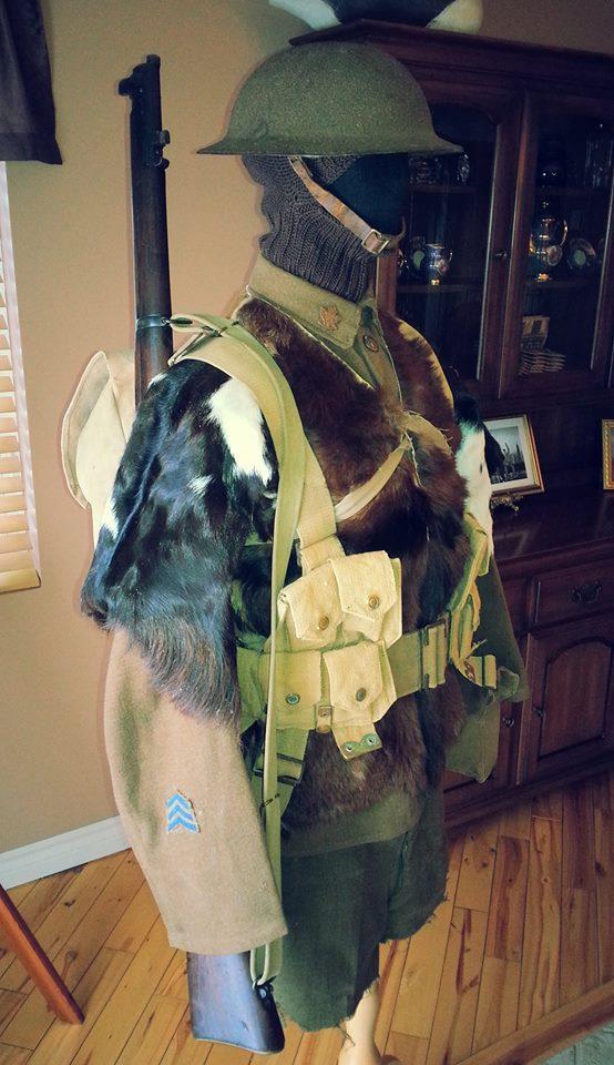 Première Guerre Mondial, uniforme Militaire Canadien. 12400710