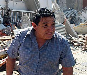 ¡Raúl cayó 14 pisos dentro de un ropero! 71069410