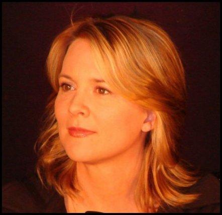Laurel Holloman (Tina Kennard) 17191210
