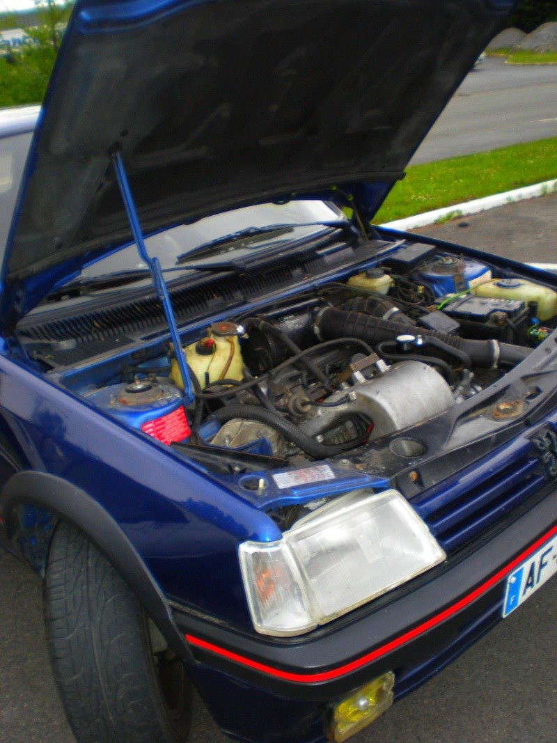 Shooting 505 turbo injection et 205 GTI 130 P5070011