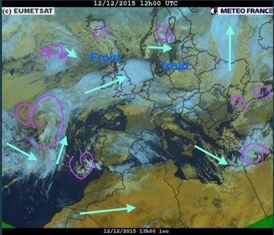 phénomènes climatiques à répétition : cyclones Cart1212