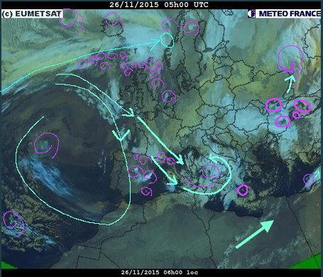 phénomènes climatiques à répétition : cyclones Cart2610