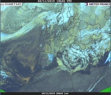 phénomènes climatiques à répétition : cyclones Cart2611