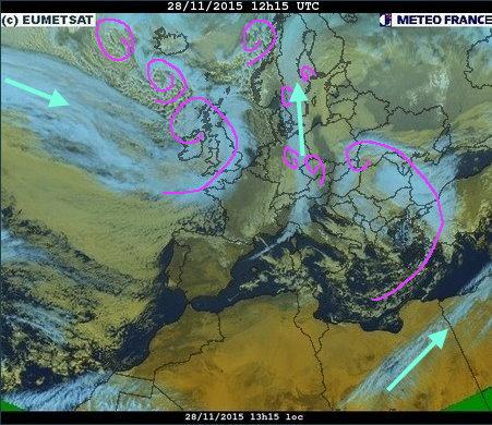phénomènes climatiques à répétition : cyclones Cart2811