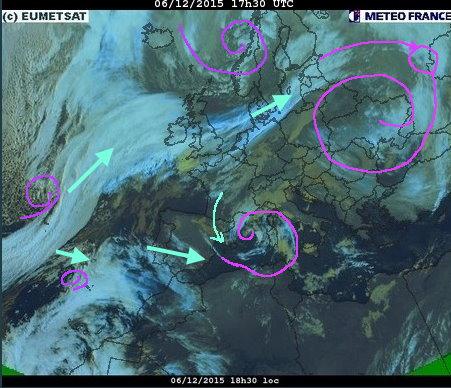 phénomènes climatiques à répétition : cyclones Cart6_10
