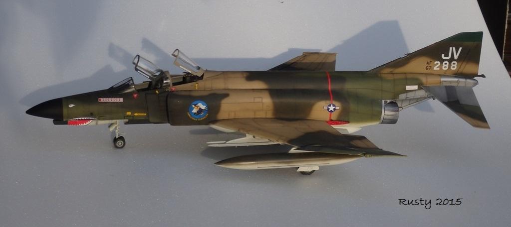 F-4E PHANTOM [1/32 REVELL] - Page 3 Pc132511