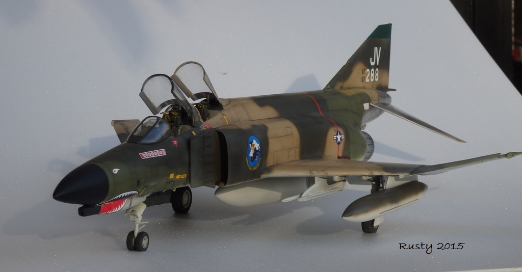 F-4E PHANTOM [1/32 REVELL] - Page 3 Pc132513