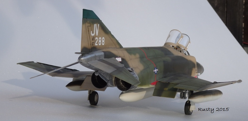 F-4E PHANTOM [1/32 REVELL] - Page 3 Pc132515
