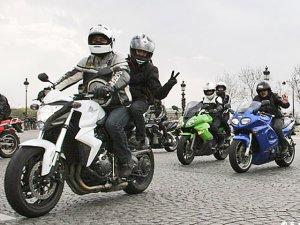 MANIF FFMC : Contre l'interdiction des motos en ville  Arton110