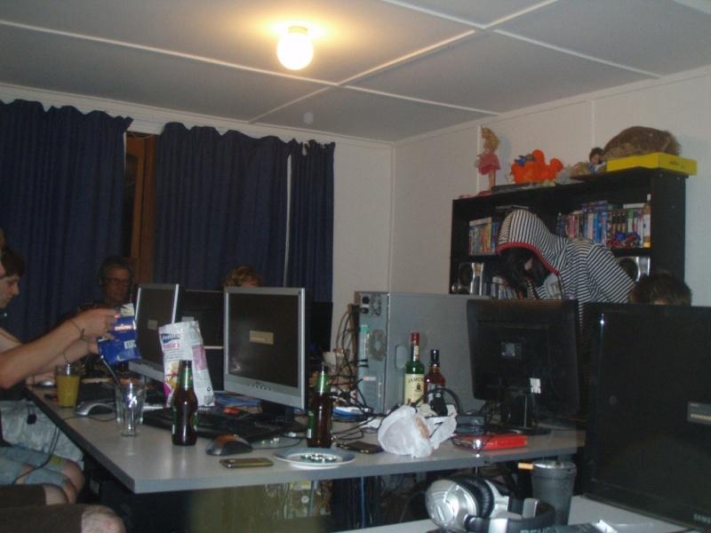 DOA 2010 Lan Pics :D (45 Pics) Vids now up!!! P1234813