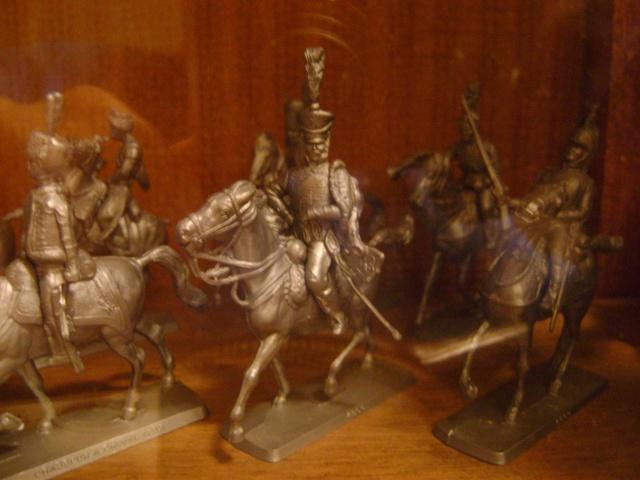 Les figurines anciennes, leurs accessoires et leurs décors. Dsc03538