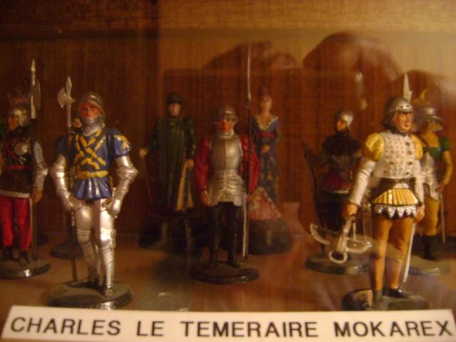 Les figurines anciennes, leurs accessoires et leurs décors. Dsc03540