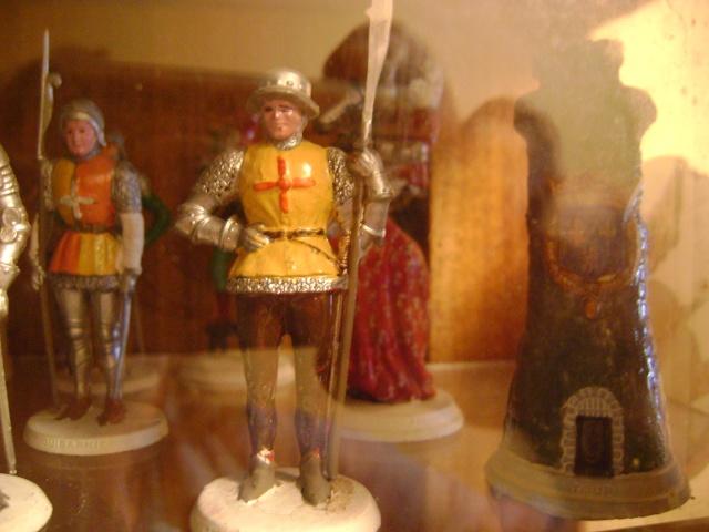 Les figurines anciennes, leurs accessoires et leurs décors. Dsc03544