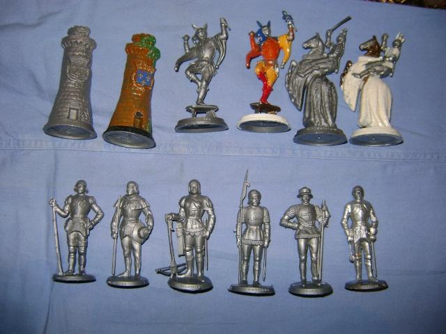 Les figurines anciennes, leurs accessoires et leurs décors. Dsc03546