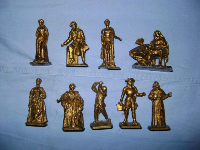 Les figurines anciennes, leurs accessoires et leurs décors. Dsc03548
